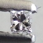 Vit (G) Diamant 0,015 Ct Prinsess 1,3x1,2x1 mm SI