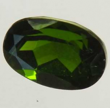 Krom Diopsid 1,06 Ct Oval 7,2x5,1x4,2 mm VS-SI