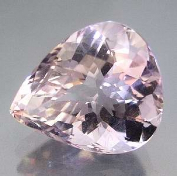 Kunzit 10,45 ct Dropp 16,6x14,1x10 mm  VVS